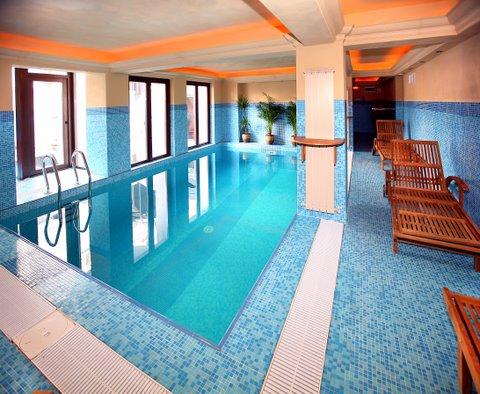 Hotel cu piscina busteni